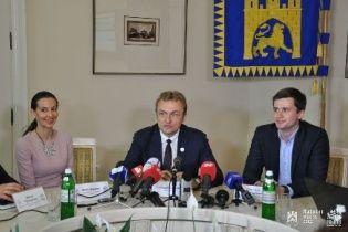 Львовяне первыми в Украине смогут заказать справки через Интернет и не стоять в очередях к чиновникам