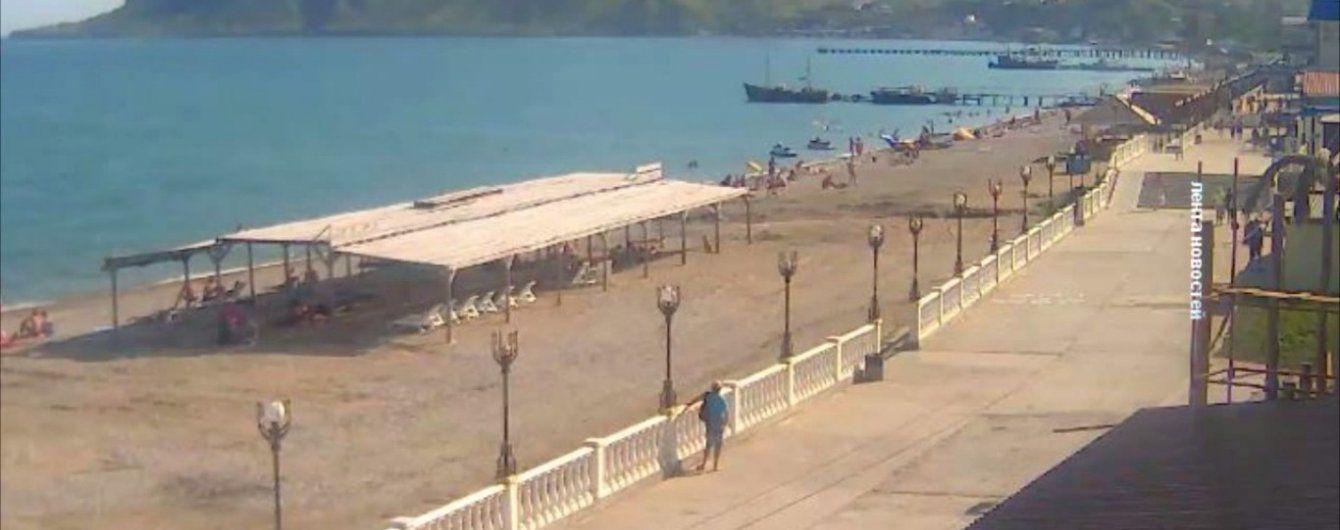 Безлюдные курорты в Крыму: в Сети показали видео с самых популярных пляжей полуострова