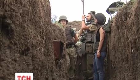 Боевики с четырех утра бьют по нашим в Широкино
