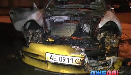 Porsche в Днепропетровске протаранил две легковушки