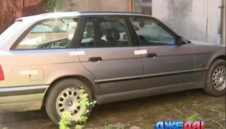 В Житомире мужчина хотел продать машину, а взамен передал ее вору