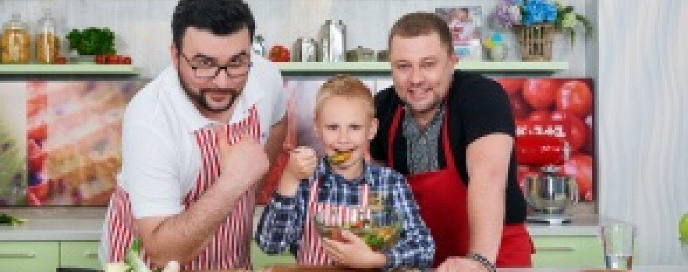 """Звезда """"Квартала 95"""" Александр Пикалов показал подросшего сына"""