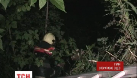 У Сумах рятувальники визволили з пастки літню жінку
