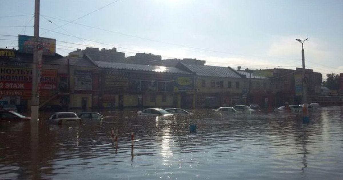 Курск оказался под водой после сильнейшего в этом году ливня. @ vk.com/mdk