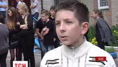 Во Львове 12-летний мальчик погиб, катаясь на велосипеде