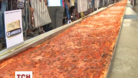 Итальянские повара приготовили самую длинную в мире пиццу