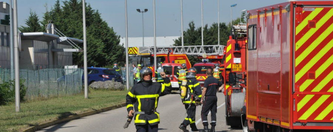Олланд сообщил новые подробности кровавых событий на фабрике во Франции