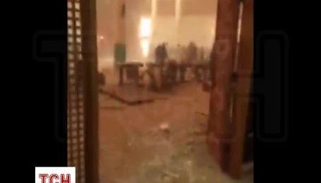 Очевидці теракту в кувейтській мечеті діляться жахаючим відео