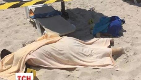 В Тунисе в городе Сус вооруженные люди расстреляли 27 туристов