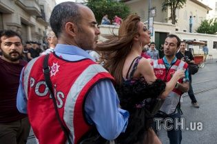 Турецька поліція знову розігнала гей-парад в Стамбулі