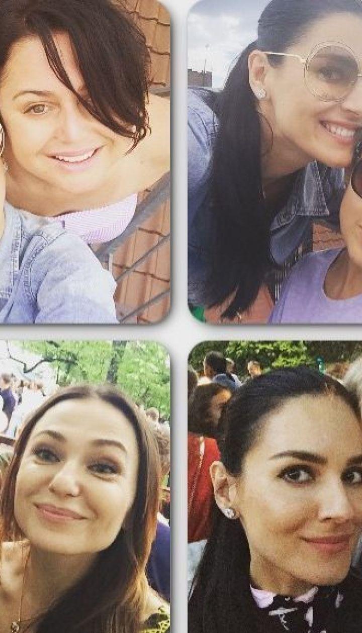 Маша Ефросинина с подругами @ Instagram