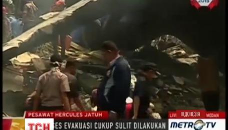 Кількість загиблих унаслідок авіакатастрофи в Індонезії зростає