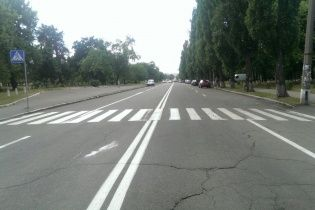 На Житомирщине легковушка сбила двух девушек-подростков на пешеходном переходе