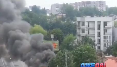 Во Львове троллейбус сгорел прямо на маршруте