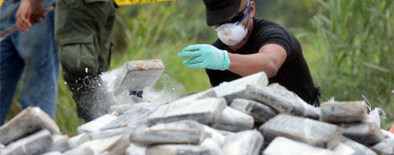 """Десятьом українцям """"світить"""" довічне у Франції за рекордну партію наркотиків"""