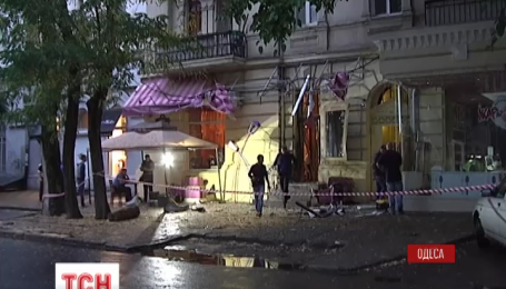 Уночі в Одесі біля дверей відомого ресторану спрацював вибуховий пристрій