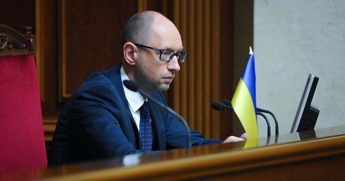 Яценюк заявил о катастрофической ситуации в энергетическом секторе