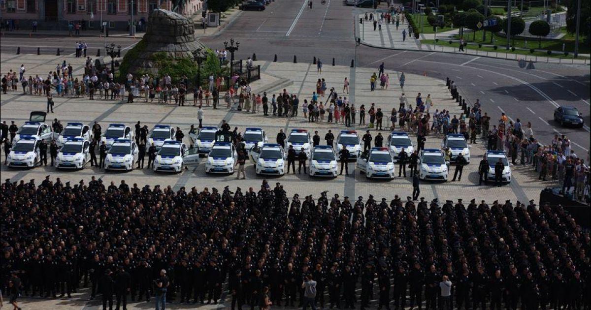 Патрульные примут  присягу @ facebook.com/Патрульна-поліція-України