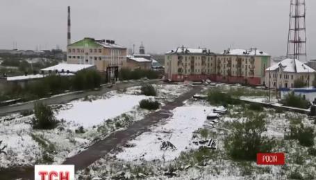 В российскую Воркуту неожиданно вернулся снег и отопительный сезон