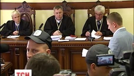 Подозреваемый в убийстве Олеся Бузины останется за решеткой