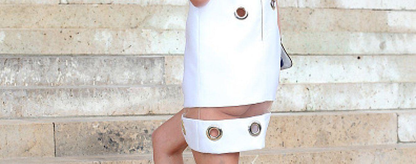 Ники Хилтон пришла на модный показ без нижнего белья