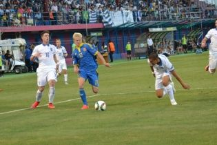 Сборная Украины провалила стартовый бой футбольного Евро-2015