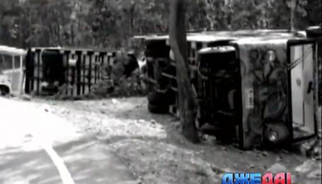 В Таиланде столкнулись сразу два туристических автобуса