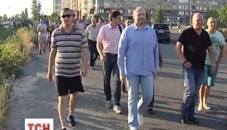 Нардепы открыли общественные приемные на скандальной столичной застройке