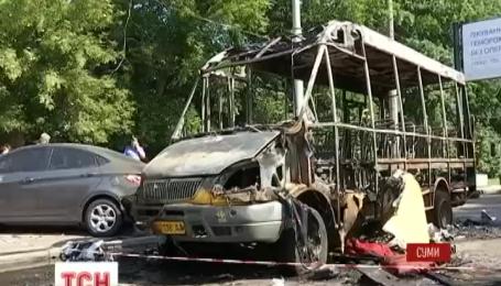 У Сумах вщент вигоріла пасажирська маршрутка