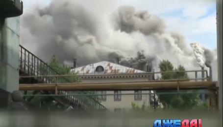 В Москве загорелся завод ЗИЛ