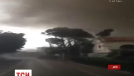 Венеційська влада підраховує збитки від потужного торнадо