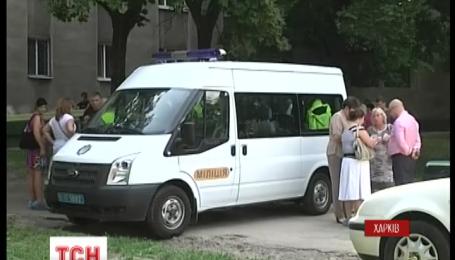 """У Харкові застрелили трьох працівників """"Укрпошти"""" під час нападу на поштове відділення"""