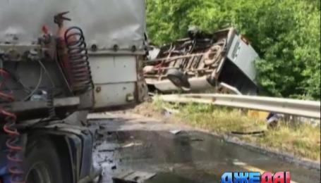 На Закарпатье произошло роковое столкновение трех автомобилей