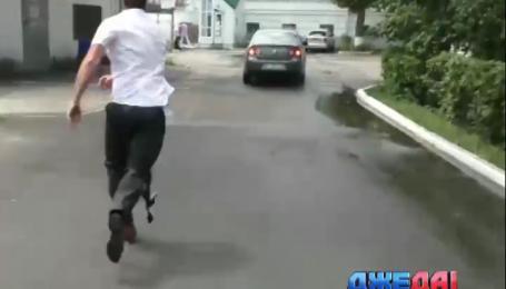 Машина с мэром Полтавы протаранила кольцо пикетчиков