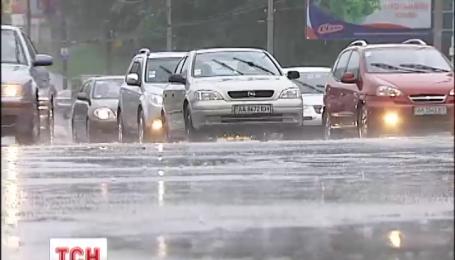 В Україні на початку тижня дощитиме