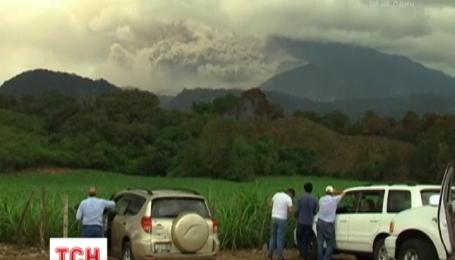 У Мексиці евакуюють цілі селища з-під вулкана Коліма