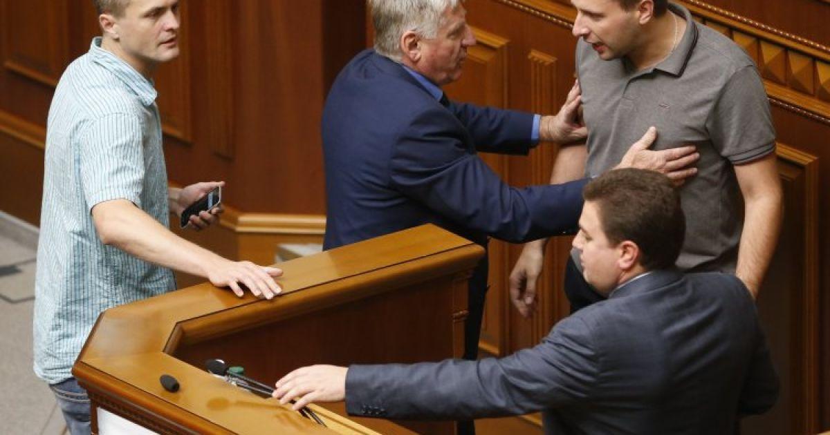 """Парасюка обидели слова о """"ПС"""""""