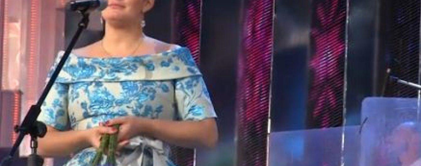 Елена Ваенга призналась в любви к Украине и спела украинскую народную песню
