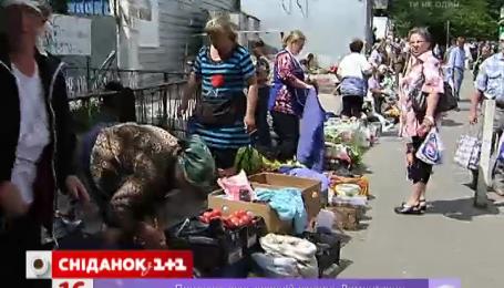 50 киевлян отравились некачественными продуктами со стихийных рынков