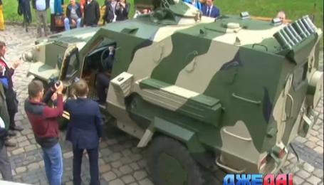 Отечественный бронеавтомобиль «Дозор» наконец передали в АТО