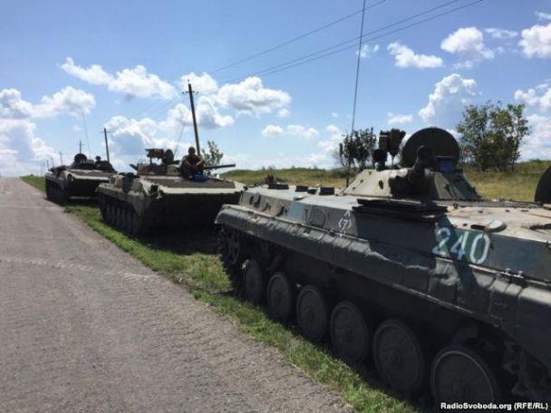 Бойовики звозять техніку до місця катастрофи MH17 у роковини трагедії