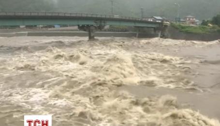 В Японии объявили об эвакуации более 110 тысяч человек из-за тайфуна