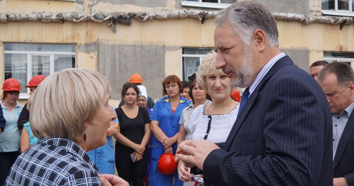 Жебривский предлагает перенести выборы в Донецкой области