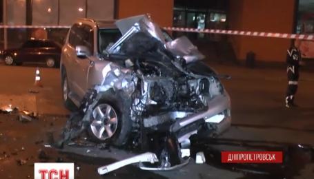 У Дніпропетровську Лексус зіткнувся з мотоциклами