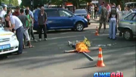 Водитель маршрутки на полном ходу сбил трех пешеходов