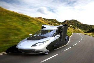Terrafugia показала новый дизайн летающего автомобиля (видео)