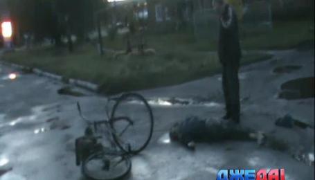 На Сумщине водитель легковушки сбил двух велосипедистов