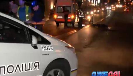 На глазах у патрульных легковушка сбила пешехода в столице