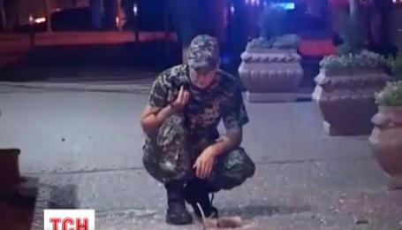 У середмісті столиці вночі з гранатомета поцілили у банк