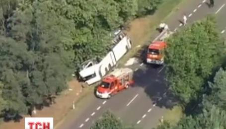16 украинцев, пострадавших накануне в аварии автобуса в Польше, остаются в местных больницах